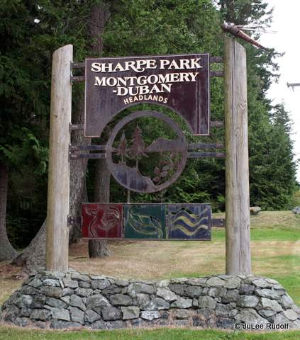 Sign at entrance to Sharpe Park / Montgomery Duban Highlands